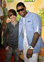 Justin and Usher at the 2009 KCA's