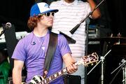 Dan Kanter playing guitar at Easter Egg Roll 2010