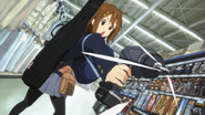 Yui and her drill