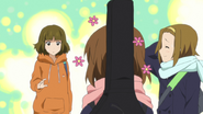 Yui got complimented by Aya