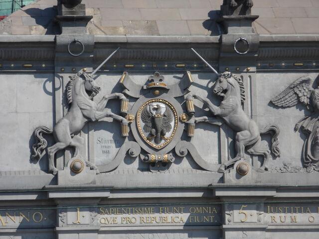 File:Gdansk High Gate West Facade.JPG