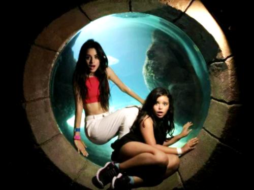 File:Sofia Cabello with Camila.png