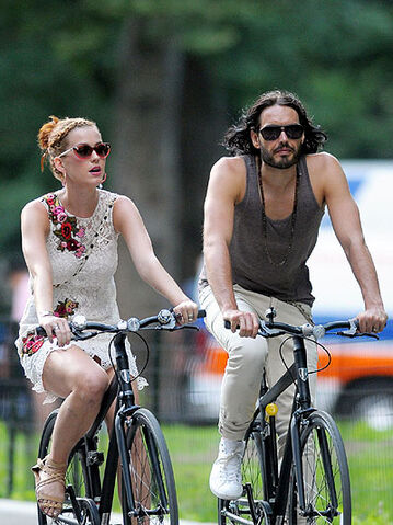 File:Katy Perry and Russell Brand.jpg