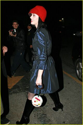 File:Katy Perry Night Boots 1.jpg