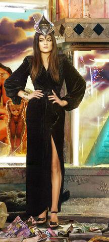 File:Kylie-jenner-kardashian-family-christmas-card.jpg