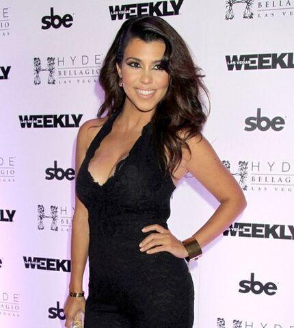 File:Kourtney-Kardashian-Black-Lace-Jumpsuit-Bellagio-Las-Vegas.jpg