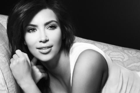 File:Kim-Kardashian-Smallz-Raskind-Profile-Photo-Shoot-080112-18.png