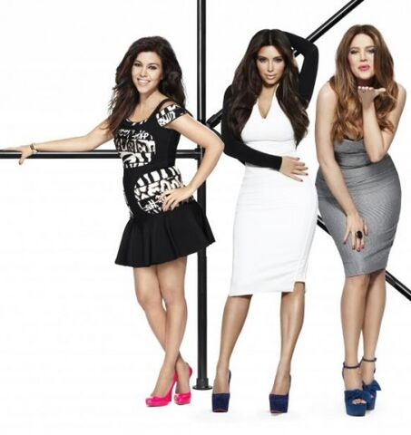 File:Kardashian-Keeping-Up-Season-7-Promo-Images-051212-6-492x521.jpg