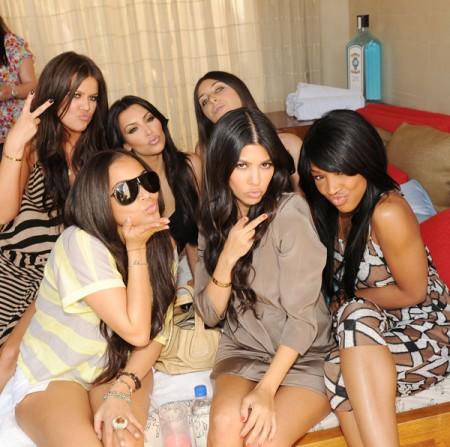 File:Khloe-kardashian-lauren-london-kim-kardashian-kourtney-kardashian-malika-haqq-brittny-gastineau2-e1272203856398.jpeg