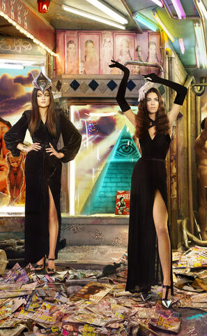 File:.Kendall-Kylie-Jenner-Kardashian-Family-Christmas-Card.jpg