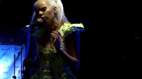 Kerli - Love Me or Leave Me (Live at SXSW 2013)
