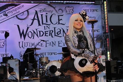 File:Alice In Wonderland Ultimate Fan Event (8).jpg