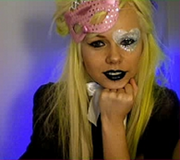 Kerli yellow hair