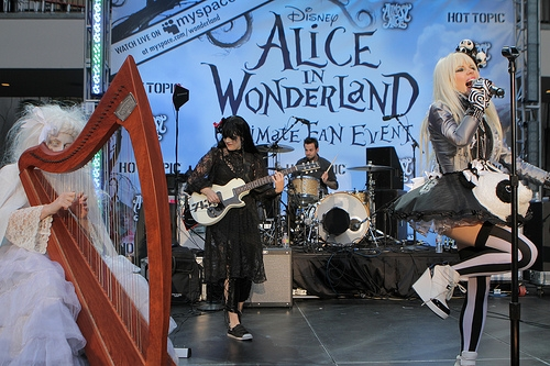File:Alice In Wonderland Ultimate Fan Event (4).jpg