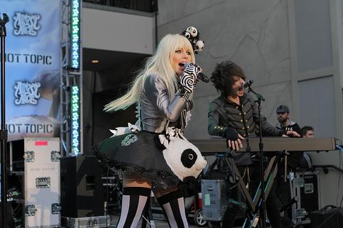 File:Alice In Wonderland Ultimate Fan Event (11).jpg
