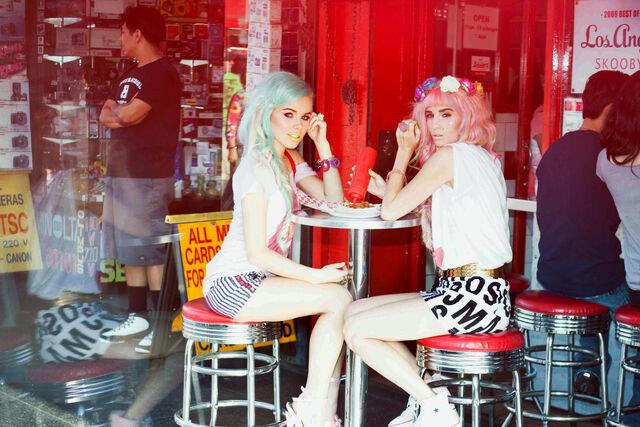 File:Audrey Kitching Tokyolux Hollywoodland Kerli 10.jpg