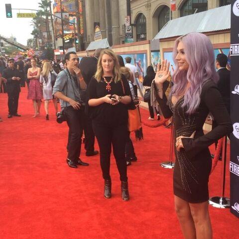 File:Keshas instagram video 9 2014.jpg
