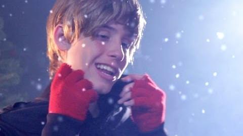 Justin Bieber - Mistletoe PARODY! Key of Awesome