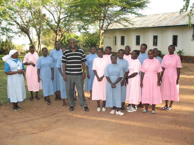 File:Godfrey Kitenga Trip 115.jpg