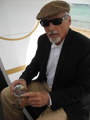 File:Hopper.jpg