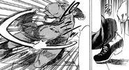 Yuu throwing hidden knife