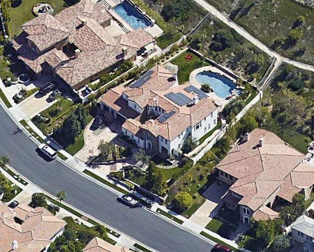Calabasas Mansion | Kylie Jenner Wikia | FANDOM powered by ...