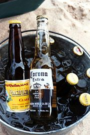 File:Responsable con la bebida.jpg