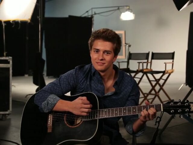 File:Billy Unger with guitar.jpg