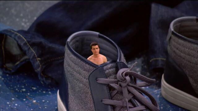 File:Adam is shoe size.jpeg