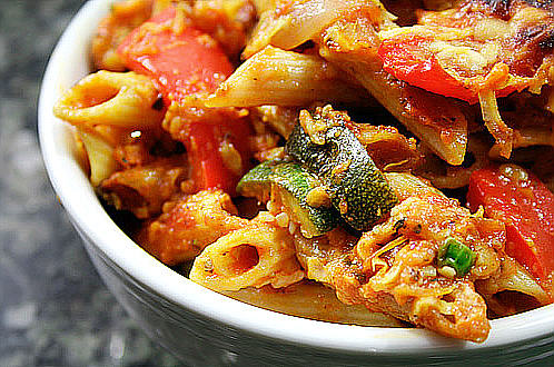 File:Penne with Roasted Red Peppers and Zucchini.jpg