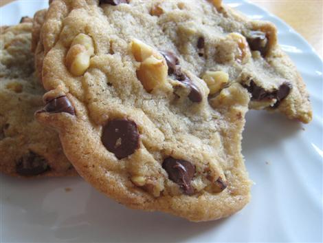 File:Chocolate chip nut cookies.jpg