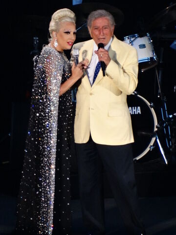 File:5-31-15 Cheek to Cheek Tour 002.jpg