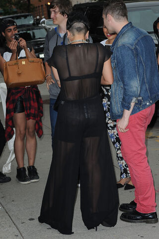 File:6-12-14 Arriving at a Studio in NYC 001.JPG