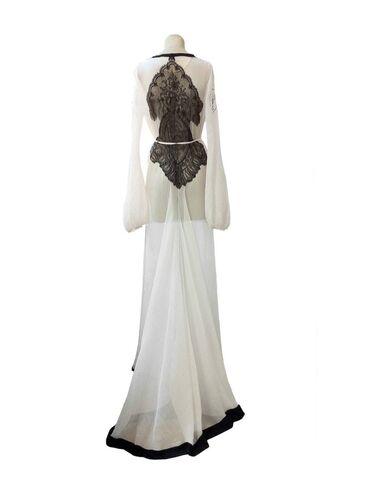 File:Ingrid Vlasov - Custom dress.jpg