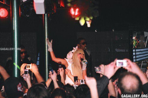 File:11-20-08 At Flashbacks Niteclub in Kelowna 001.jpg