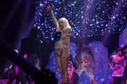 5-4-14 Donatella - artRAVE The ARTPOP Ball Tour 002