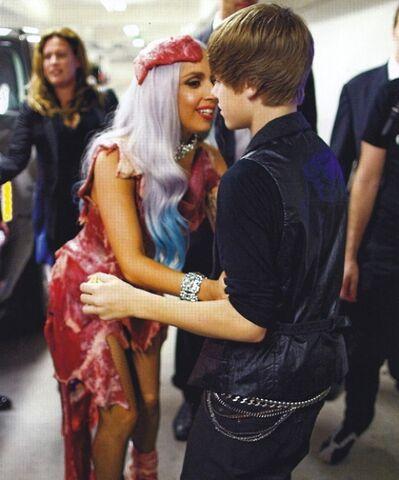 File:VMA Backstage 07.jpg