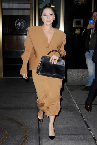 File:12-3-14 Leaving her apartment in NYC 002.JPG