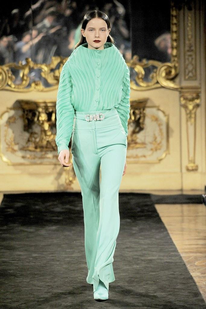 File:Francesco Scognamiglio Fall 2010 RTW Green Trousers.jpg