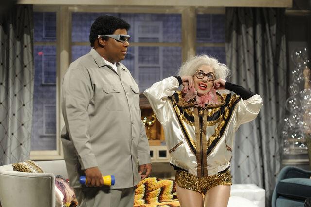 File:11-16-13 SNL Old Lady Gaga 002.jpg