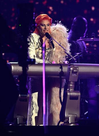 File:2-15-16 Performance at 58th Grammy Awards in LA 003.jpg