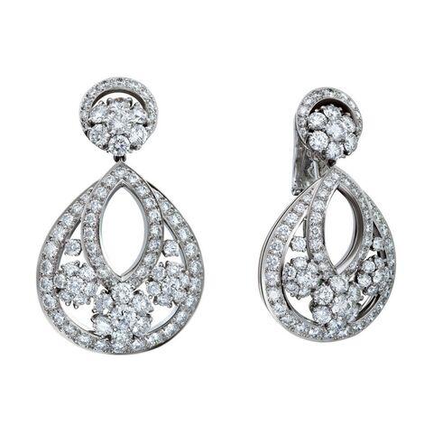 File:Van Cleef & Arpels - Diamond snowflake drop earclips.jpg