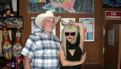 File:6-14-08 Round Up Saloon Dallas 004.jpg