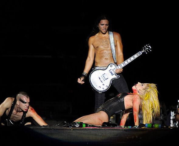 File:100806 Lollapalooza-Kareem Devlin-Byrne.jpg