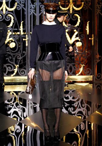 File:Louis Vuitton Fall 2011 Skirt.jpg
