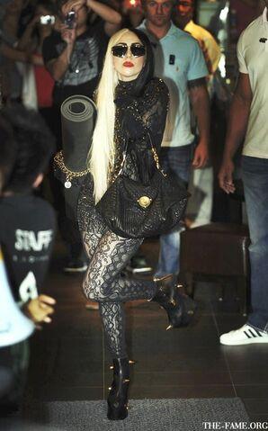 File:Gaga-tatehana-lady-thorns.jpg