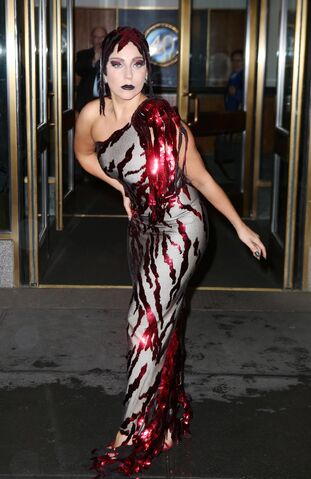 File:12-2-14 Leaving her apartment in NYC 001.JPG
