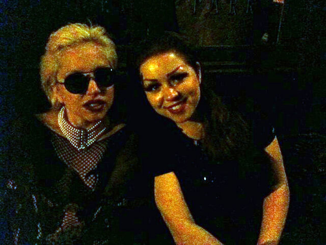 File:6-19-10 After her Performance at Duane Park Restaurant 001.jpg