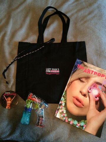 File:The ARTPOP Ball Tour Package Gifts North America 001.jpg