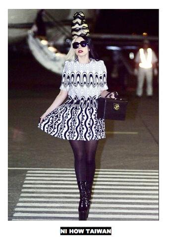 File:7-2-11 Amen Fashion 002.jpg